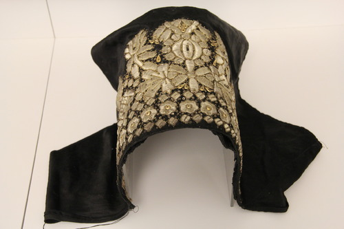 Fejkendő <br /><em>Head cover for women</em>