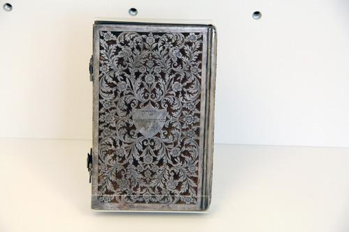 Bekötési tábla imakönyvvel<br /><em>Binding board with prayer book</em>