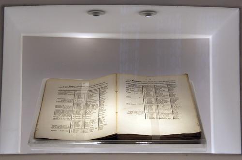 Első magyar zsidó naptár és évkönyv az 1848-ik szökőévre<br /><em>First Hungarian Jewish calendar and almanac for the 1848 leap year</em>