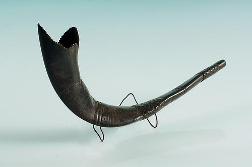 Sófár (Kosszarv)<br /><em>Shofar (Ram's horn)</em>