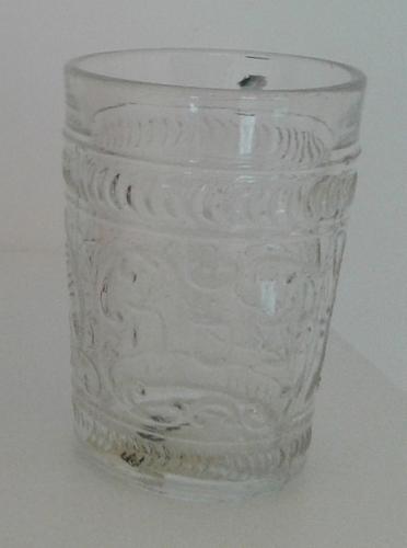 Üvegpohár peszahra