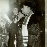 Benoschofsky Imre, Schwartz Benjámin és Katona József a Dohány utcai zsinagóga centenáriumi istentiszteletén