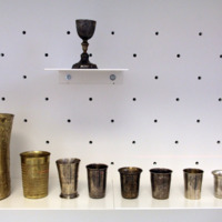 "Pohár ""likvod sabat"" felirattal<br /><em>Shabbat cup with an inscription ""likvod shabbat""</em>"