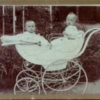 Hochstädter Antal, Bora gyerekkocsiban