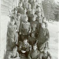 A 108/57 munkaszolgálatos század csoportképe<br /><br />
